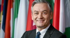 Biedroń: UE powinna przyjąć plan pomocy uchodźcom. To jest także w interesie Polski