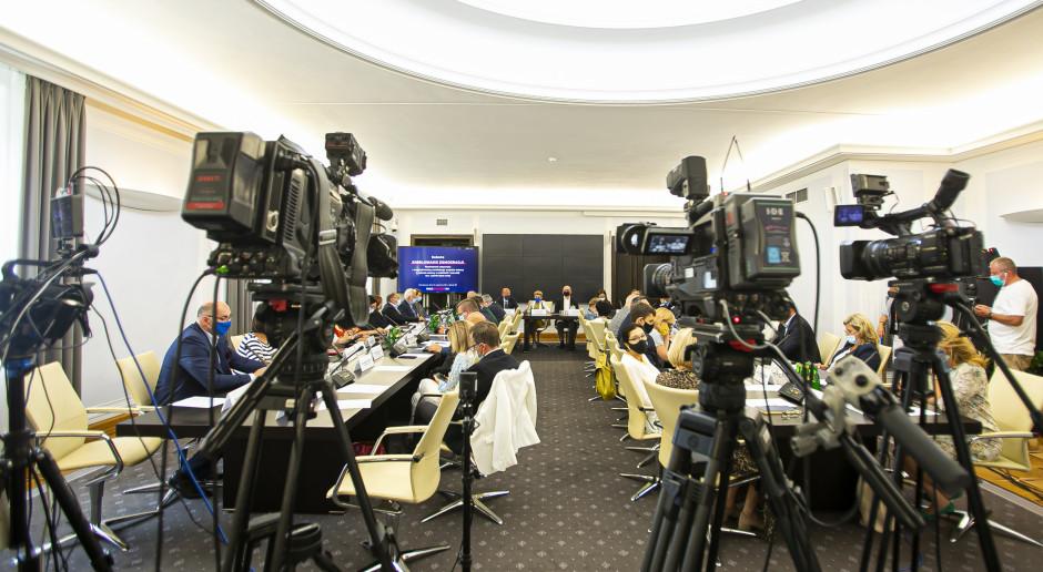 Interia.pl: Zmiana u marszałka Grodzkiego. Ważny urzędnik odchodzi z Kancelarii Senatu