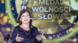 Jourova: Stan wyjątkowy pokazuje powagę kryzysu migracyjnego