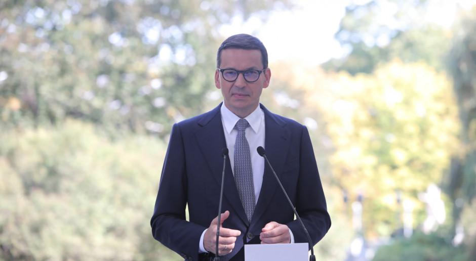 Premier: Mamy do czynienia z szeroko zakrojoną prowokacją na granicy