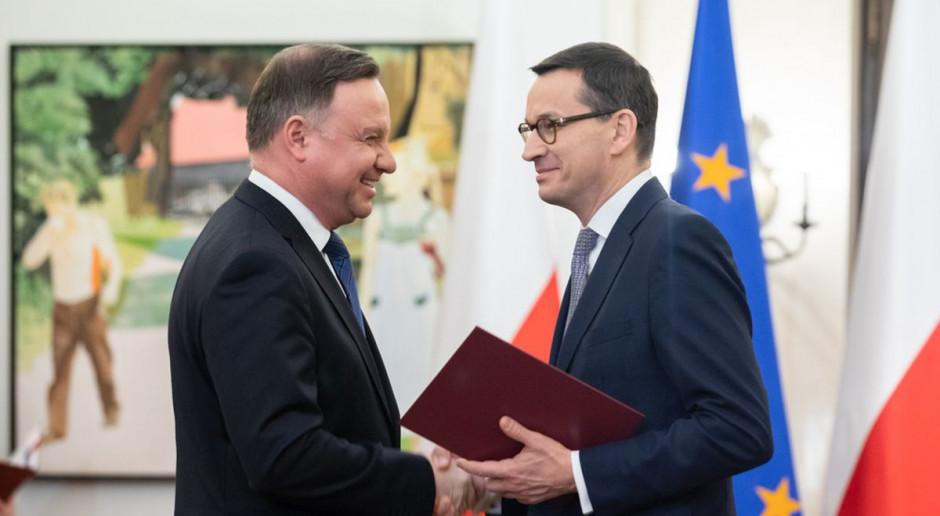 Zdecydowana większość Polaków negatywnie o pracy prezydenta i premierta