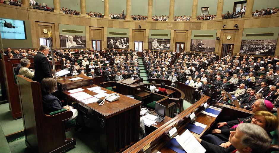 Projekt zmian w Regulaminie Sejmu ponownie skierowany do komisji