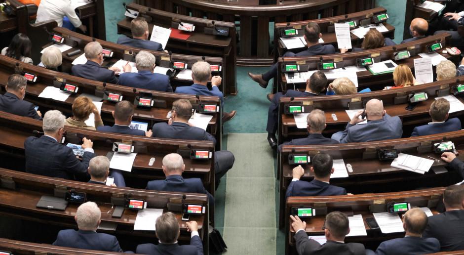 PiS za pakietem wolności akademickiej; opozycja negatywnie o pakiecie