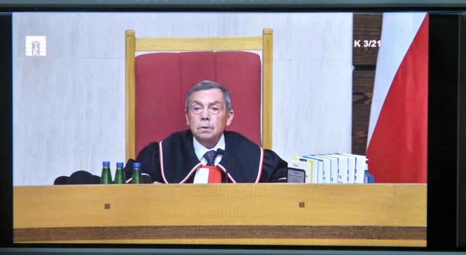 Politycy PiS pozytywnie o wyroku TK; opozycja: odliczanie do polexitu