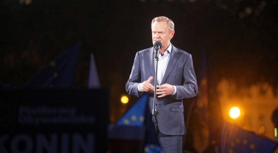 """Tusk: Partia rządząca już bez """"owijania w bawełnę"""" podjęła decyzję o wyprowadzeniu Polski z UE"""
