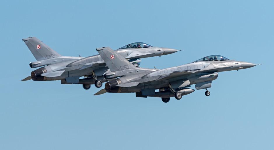 Szef MON: Polscy piloci F16 eskortowali przelot amerykańskich bombowców B1B nad Polską